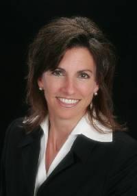 Cathy Dwyer Fernandez, Broker